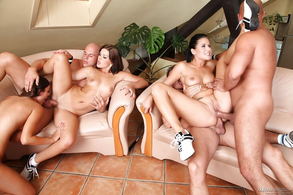 Groupsex group sex deed with cunts Lucy Bell- Iwia and Rihanna Samuel