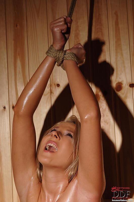 Rope united blond kink queen Viktoria Diamond sexual wrestling in sauna
