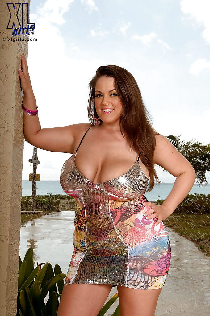 Enormous milk cans lend a hand massive fatty Taylor Steele take part in outdoor picture eager