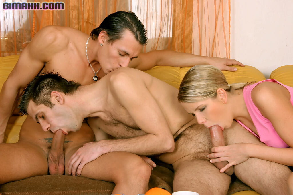 Two way sex smoking with bisexual men and sticky blond in a mmf Male+Male+Female - part 1934