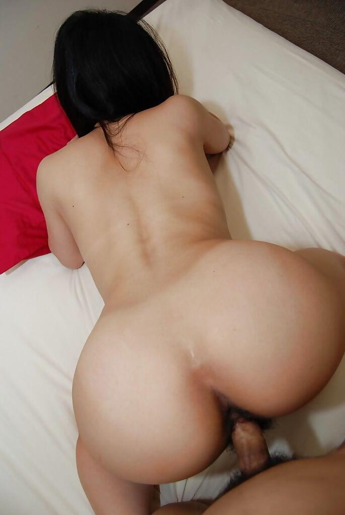 Surprising Chinese babe Takako Kitajima is demonstrating her oral sex skills