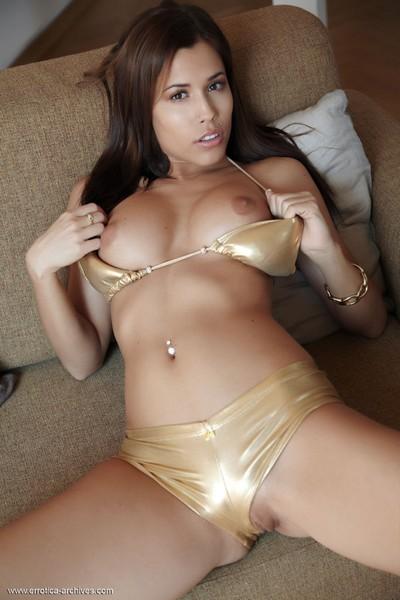 Fit unconventional pornstar in a bikini