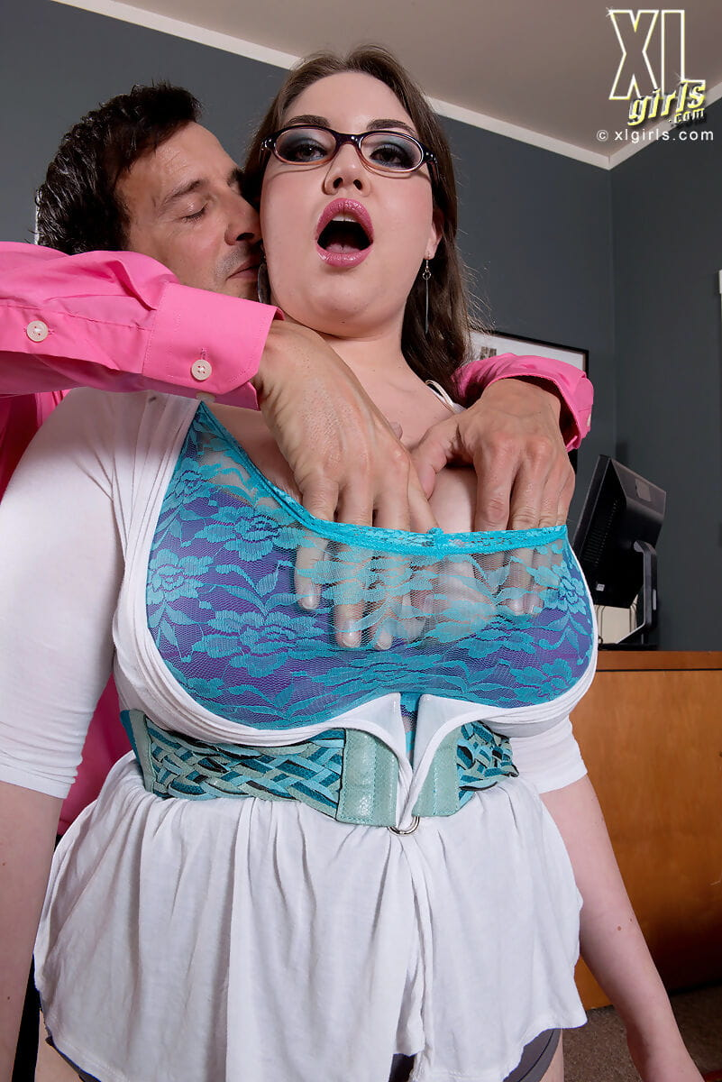 Hot fatty secretary Nixie Night unveils her tough love bubbles in the office