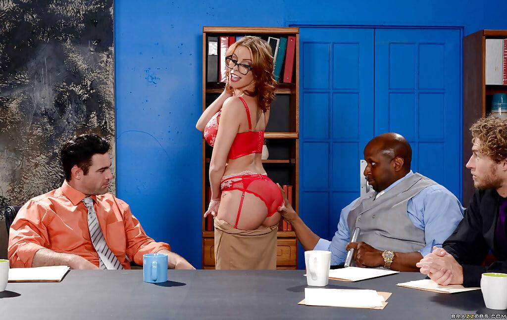 Pornstar Britney Amber exquisite interracial groupie from largest sticks