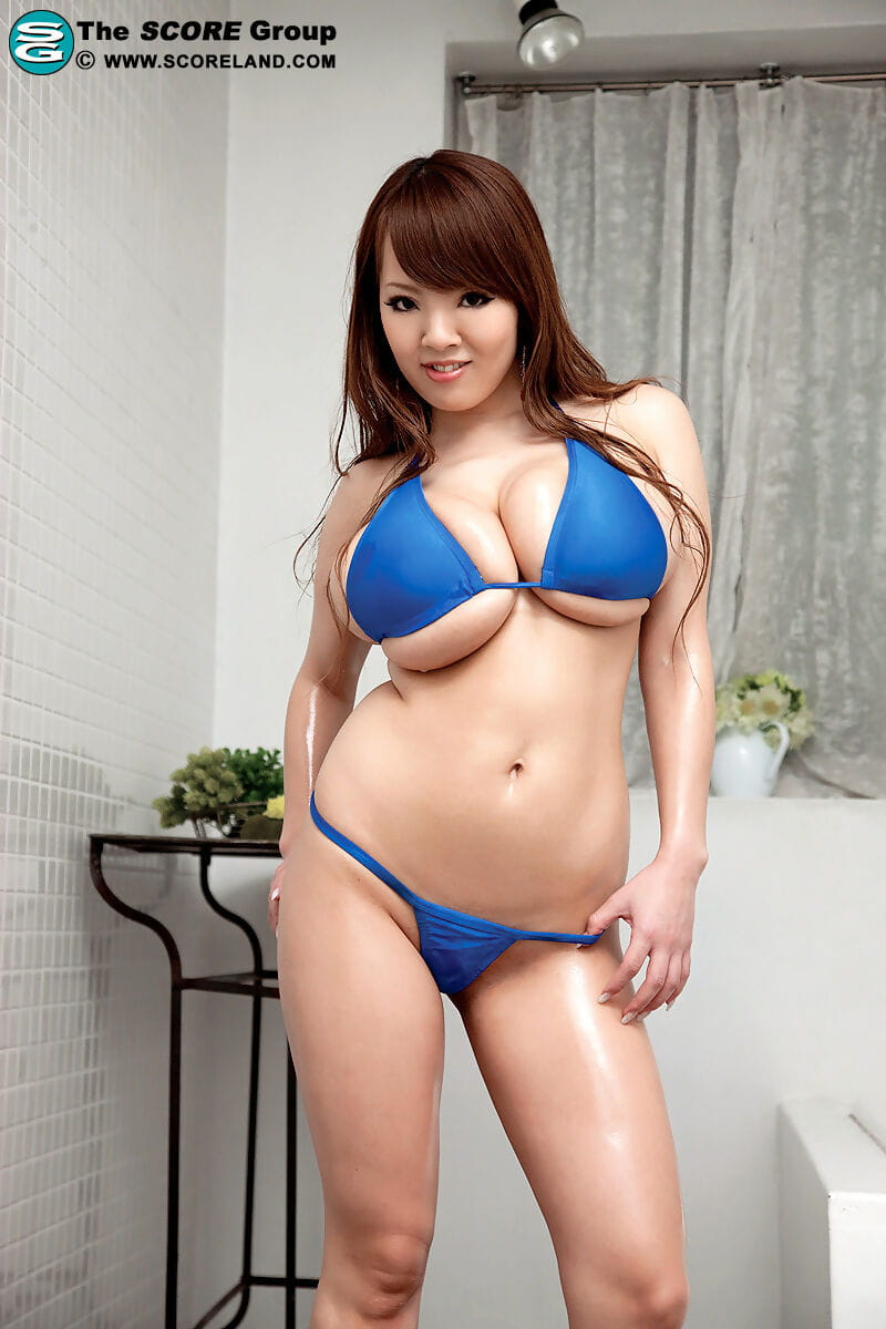 Chinese example blasts her intense titties from bikini dominant in solo act