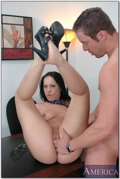 Sweaty office MILF in glasses Kylee Taskmaster appreciated shlong with her pussy