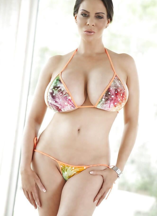 Solo hottie Linsey Dawn McKenzie sets free heavy ordinary billibongs from bikini