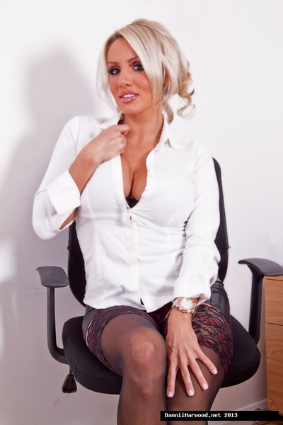 Damp golden-haired Secretary Dannii Harwood knows how to clothing and activity in tummy of the boss! Wearing some hot underclothes and putting on a disrobe show will defintely purchase her a rise!