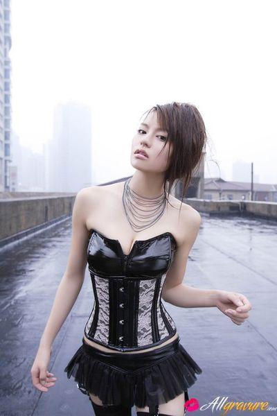 Yuriko Shiratori Eastern has wonderful distorts and shows  a lot