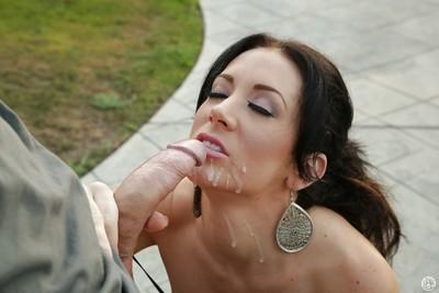 Milf doxy with dark hair Jayden Jaymes is showing her fellatio skills