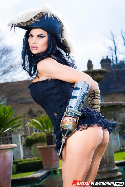 Jasmine jae is pirate pretty