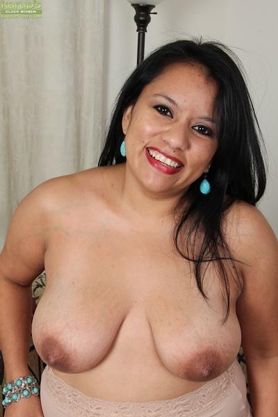 Dark brown Latin babe milf Lucey Perez is having her wet crack filmed