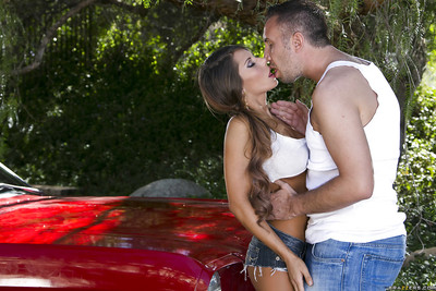 Teen vixen Madison Ivy blows and makes love a major weenie outdoor