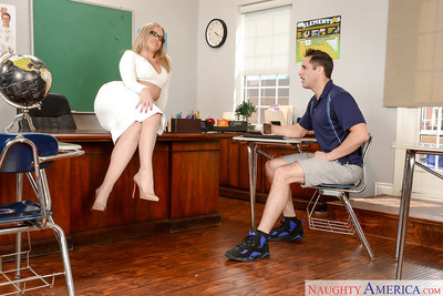 Leggy MILF schoolteacher Alexis Texas exquisite stream of cum on colossal booty