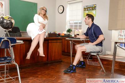 Leggy MILF schoolteacher Alexis Texas exquisite stream of cum on colossal booty