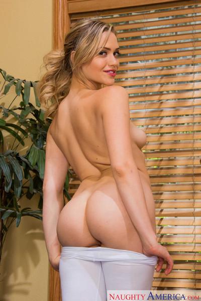 Mia malkova has intercourse her private coach to please her companion