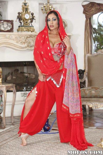 Unusual Indian MILF Priya Anjeli Rai receives rid of her ethnical outfit