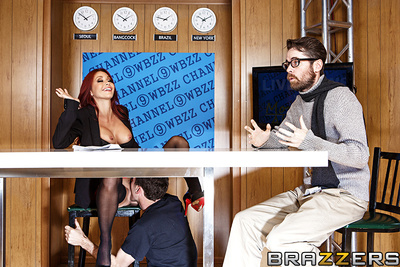 How on earth do u keep broadcasts of the almost all boring news on the planet spicy! With require shots of a stunningly sticky news-caster enjoy Monique Alexander and her weighty tits, of course! Mr. Deen is called in as a singular consultant to keep thei