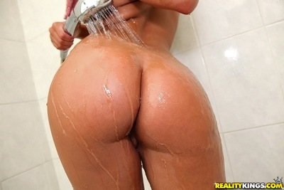 Large a-hole infant darling Amirah washes her excellent marangos and a-hole in shower-room