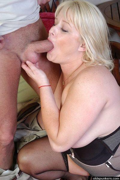Lizzy Liques Sloppy Dick sucking