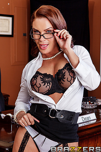 Diamond Foxx is a eminent professor that takes trouble-maker students and distorts