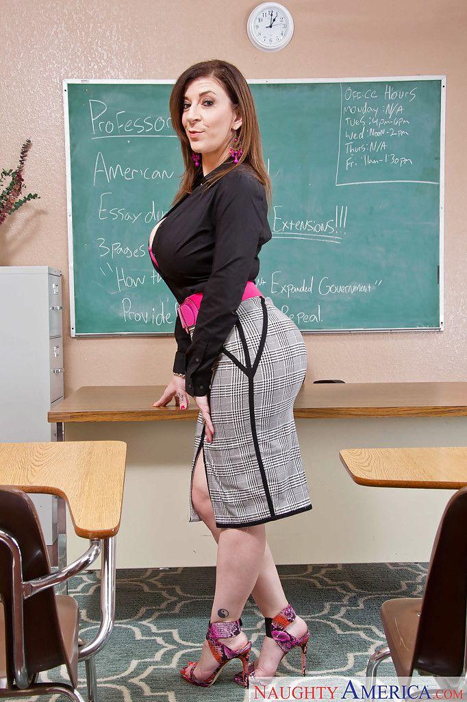 Advisor milf Sara Jay shows off her sexy-looking huge