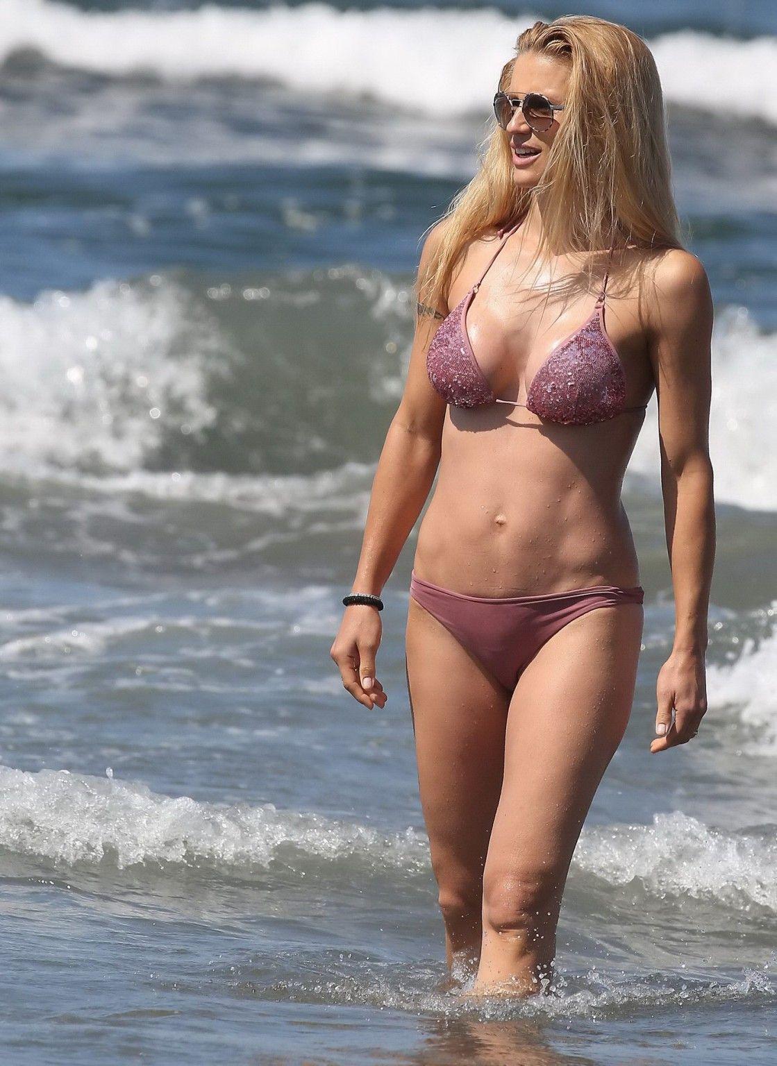 Hunziker nackt am strand