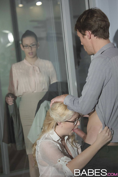Perspired blonde secretary Samantha Rone sucking and smoking cock in office