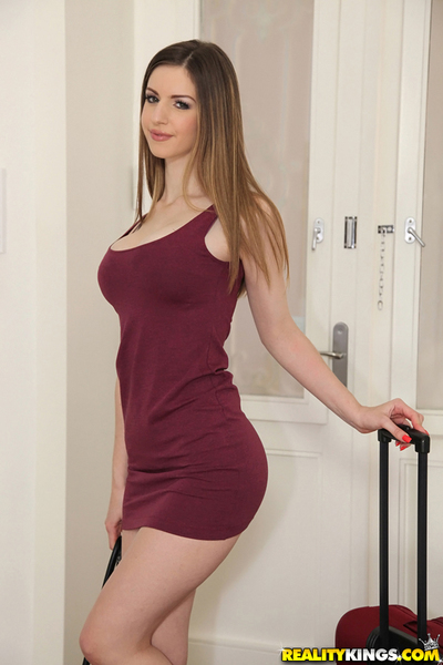 Spicy as fuck sinless babe Stella Cox demonstrates her shape