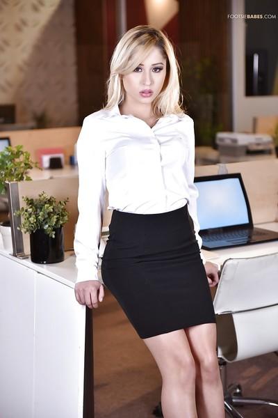Leggy Latina office princess Goldie Rush flashing upskirt undies in high heels