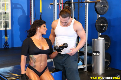 Busty workout milf suck wang at the gym