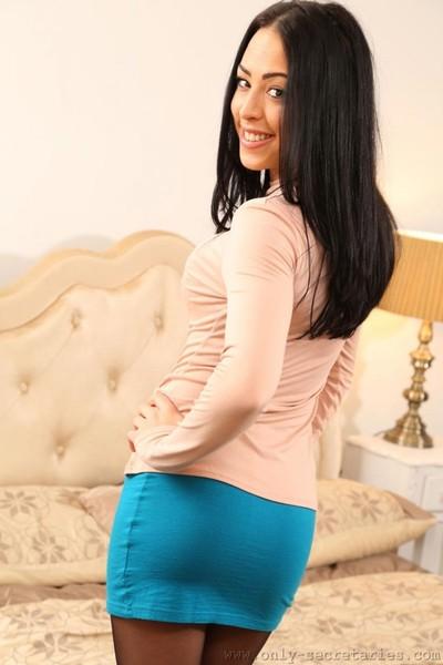Cute topless secretary in pantyhose