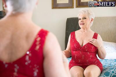 Jewel Humps Her Granddaughters Boyfriend