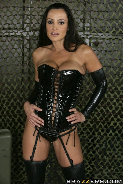 Busty Latin babe MILF Lisa Ann playing with her hot widen pussy