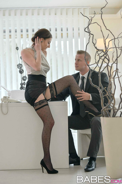 Antonia sainz gets nailed by her boss in his office