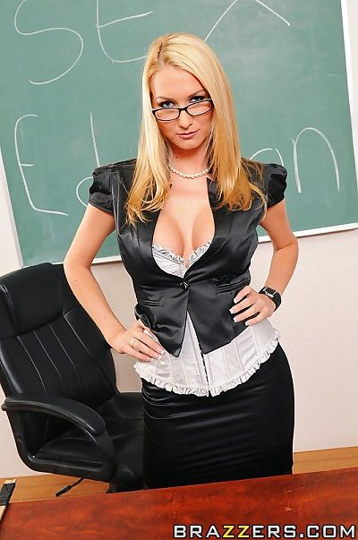 Desirable patriarch in glasses gives cocksucking and gets shafted in classroom