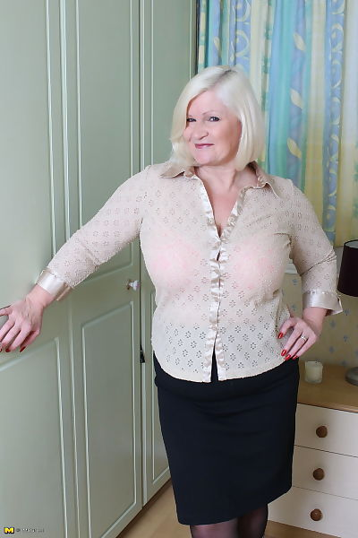 Obese UK grown up undresses her amateur lover-boy for a rough fuck session