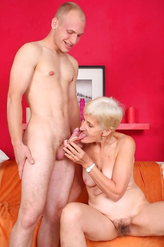 Dirty old granny slut irene fucking her old wrinkled pussy - part 984