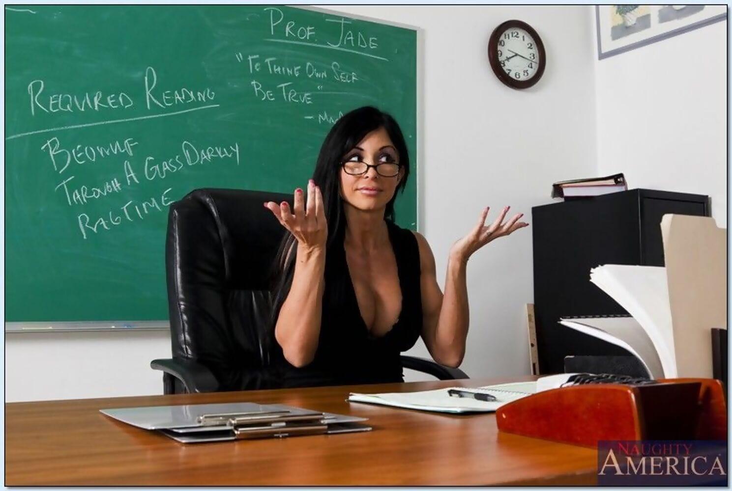 MILF teacher Jewels Jade denudes her rigid shapely body for a sweaty fuck