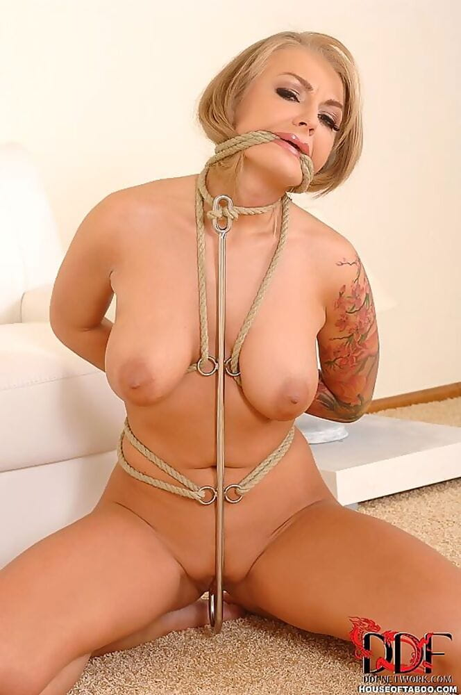Tattooed BDSM kink case Kayla Unproven fixed with rope and anal hook