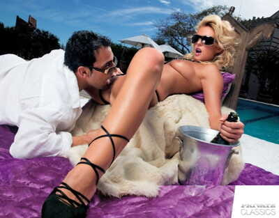 Hot blonde Melissa Ebony receives banged in sunglasses before a facial cumshot