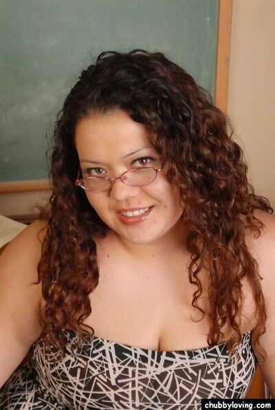 Kinky placid ebony SSBBW Vanessa presents her pussy in the classroom