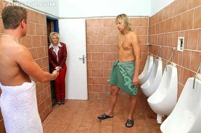 Ripened woman joins drunk fairy-haired doxy in mens shower-room for perspired urtication 3some