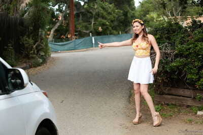 Hitchhiking teen Melissa Moore pays for her passage with pussy to gorge sex
