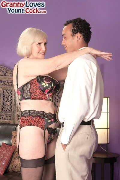 Energizing blonde granny sucks and licks hairy sacks sooner than astonishingly and creampie