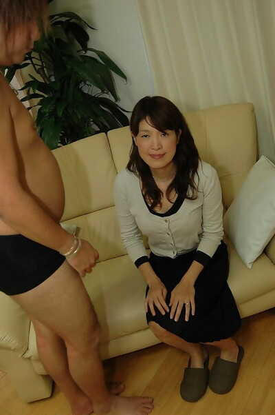 Asian MILF has some pussy fingering and vibing fun and gives head