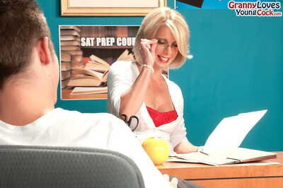 Jenny Mason always tenders anal penetration if her fucker doesnt have condom