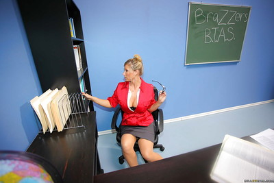 Kissable patriarch MILF Devon Lee with big tits has sex at school