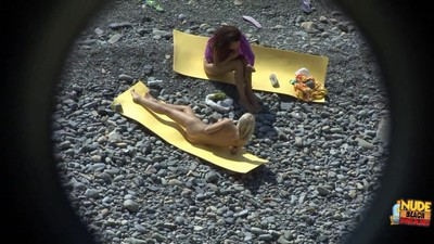 Hot fairy seduces a young lesbo brown hair at the beach