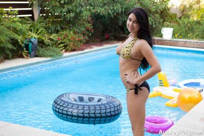 Curvy aubrey paige in bikini